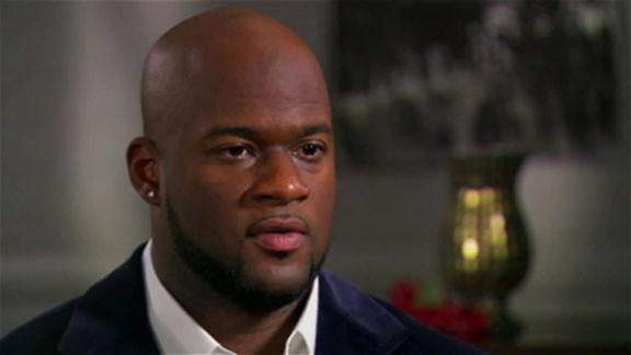 Vince Young hires agent in hopes of reviving playing career
