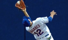 Mets CF Juan Lagares Channels Willie Mays for Ridiculous Over-the-Head Basket Catch (Video)