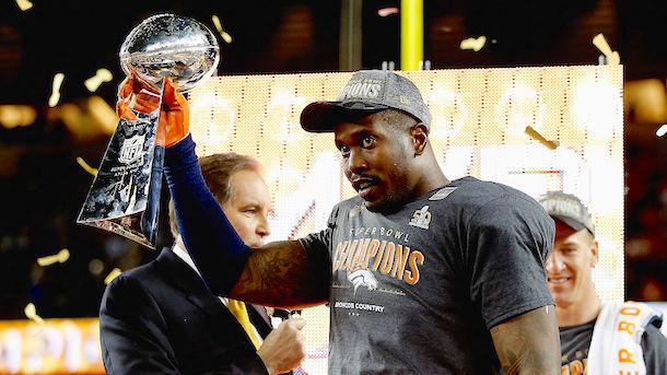 Raiders-Broncos Twitter Beef (Von Miller Super Bowl MVP Lombardi Trophy)