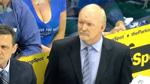 boobs-behind-dallas-stars-bench-st-louis-blues