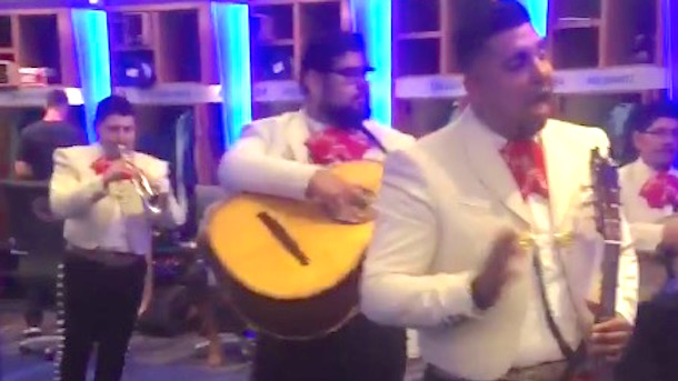 cubs cinco de mayo celebration mariachi band clubhouse
