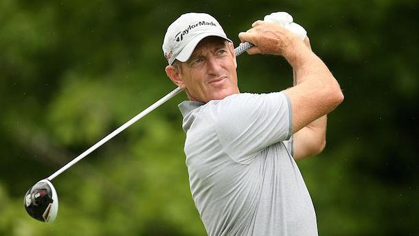 golfer-Greg-Owen-strips-underwear-save-bird-TPC-Sawgrass