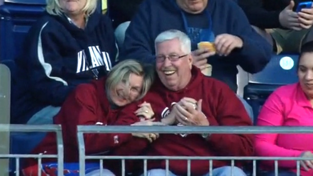 phillies fan saves wife from foul ball