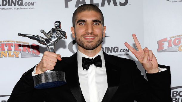 UFC-fighters-tweet-support-for-reporter-Ariel-Helwani