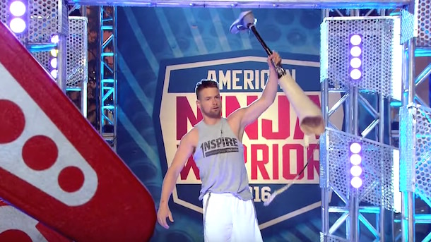 one-legged wrestler zach gowen kills it on american ninja warrior