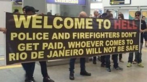 rio first responders welcome tourists welcome to hell sign