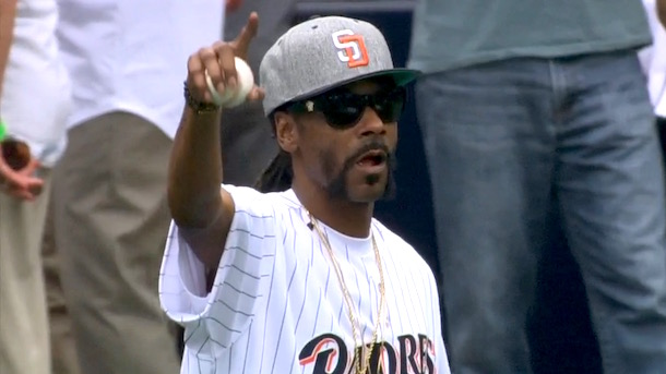 snoop dogg first pitch terrible