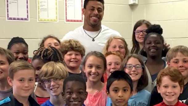 unemployed greg hardy trying to rehabilitate public image