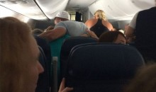 Man Claims Tim Tebow Revived an Ailing, Unresponsive Airplane Passenger Through Prayer