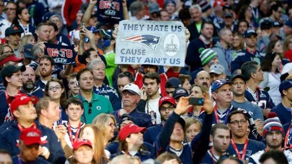 071216-Patriots-fans.vadapt.664.high.12