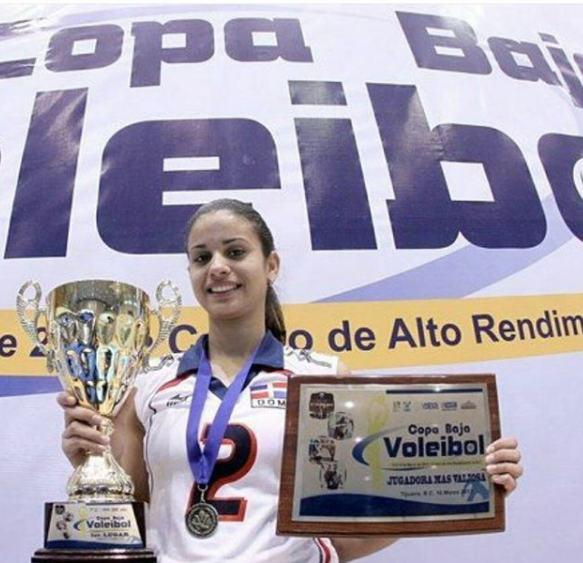 Total Pro Sports Beautiful Volleyball Player Winifer