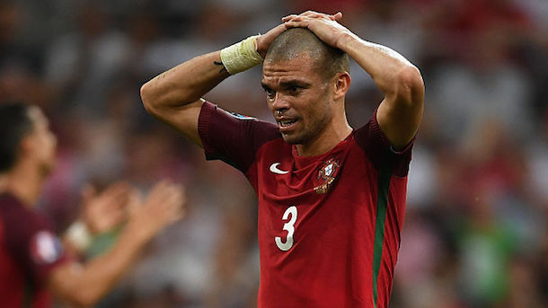 pepe-pukes-after-portugal-wins-euro-2016
