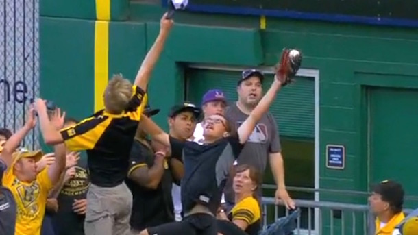 pirates fan great leaping catch (baseball fans great catches)
