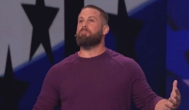 Eagles long-snapper's latest 'America's Got Talent' trick is unbelievable