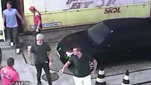 ryan lochte robbery story true