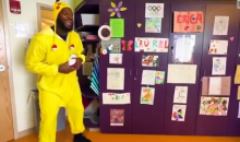 Martellus Bennett Plays Pokemon With Kids at Boston Children's Hospital (Video)