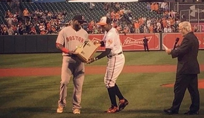 Orioles€™ gift David Ortiz the dugout phone he smashed in 2013