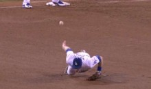 Chase Utley with the Incredible No-Look Flip to First Base for the Out (Video)