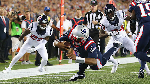 jacoby-brissett-gives-touchdown-ball-to-bill-bilichick