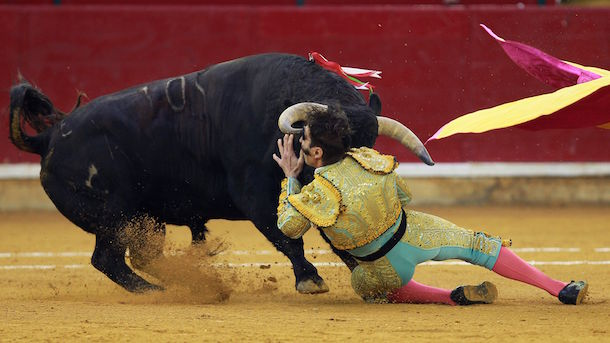 one-eyed-bullfighter-juan-jose-padilla-gored-in-eye-again-header-image