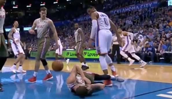 russell-westbrook-stomp