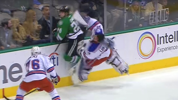 henrik-lunqvist-hit-by-cody-eakin