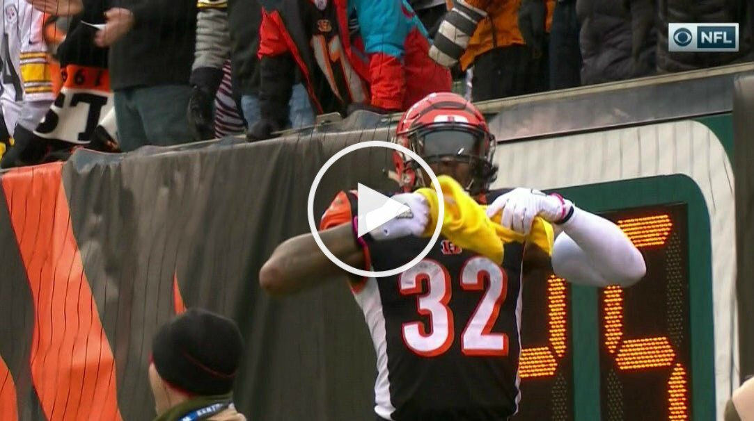 Bengals Rb Jeremy Hill Scores Td Proceeds To Disrespect