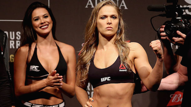 Ronda Rousey loves walking around house nude