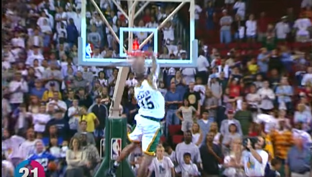 NBA Compiles 40 Most Amazing, Never-Before-Seen Vince Carter Dunks for His B-Day (Video)
