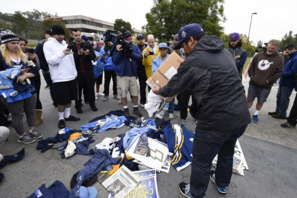 chargers_relocation_football1-768x512