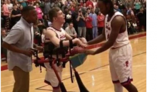 HS Student With Cerebral Palsy Given Chance to Play in Basketball Game (Video)
