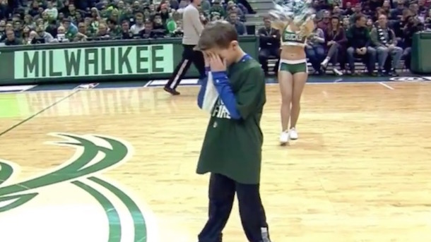 embarassed-kid-milwaukee-bucks-dance-contest