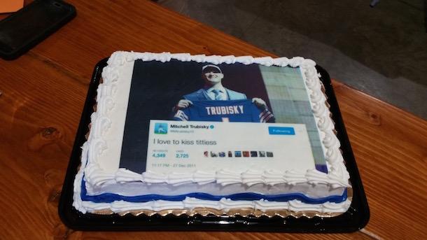 bears fan gets mitch trubisky birthday cake