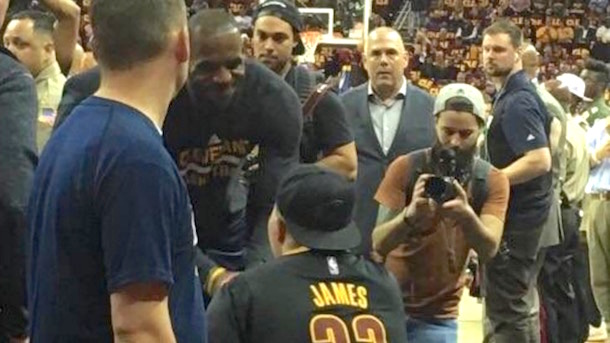 terminally ill teen meets lebron james thanks to social media campaign