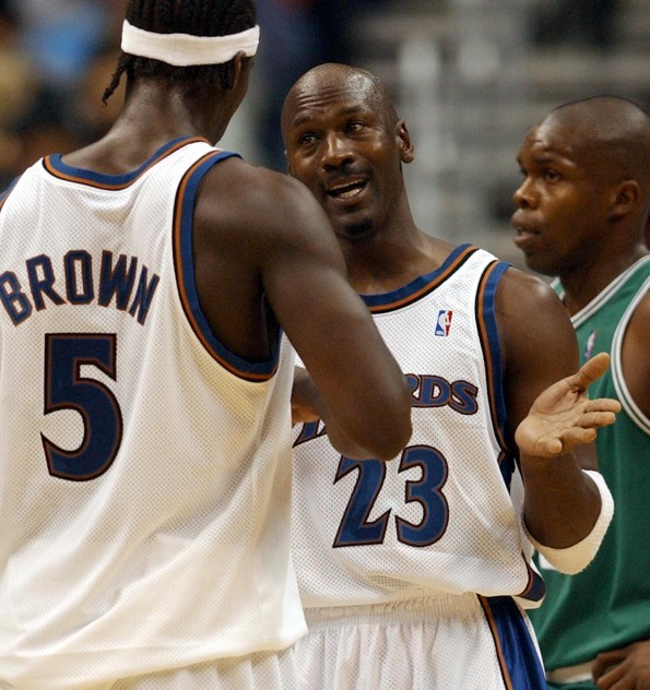 Washington Wizards guard Michael Jordan (R) talks