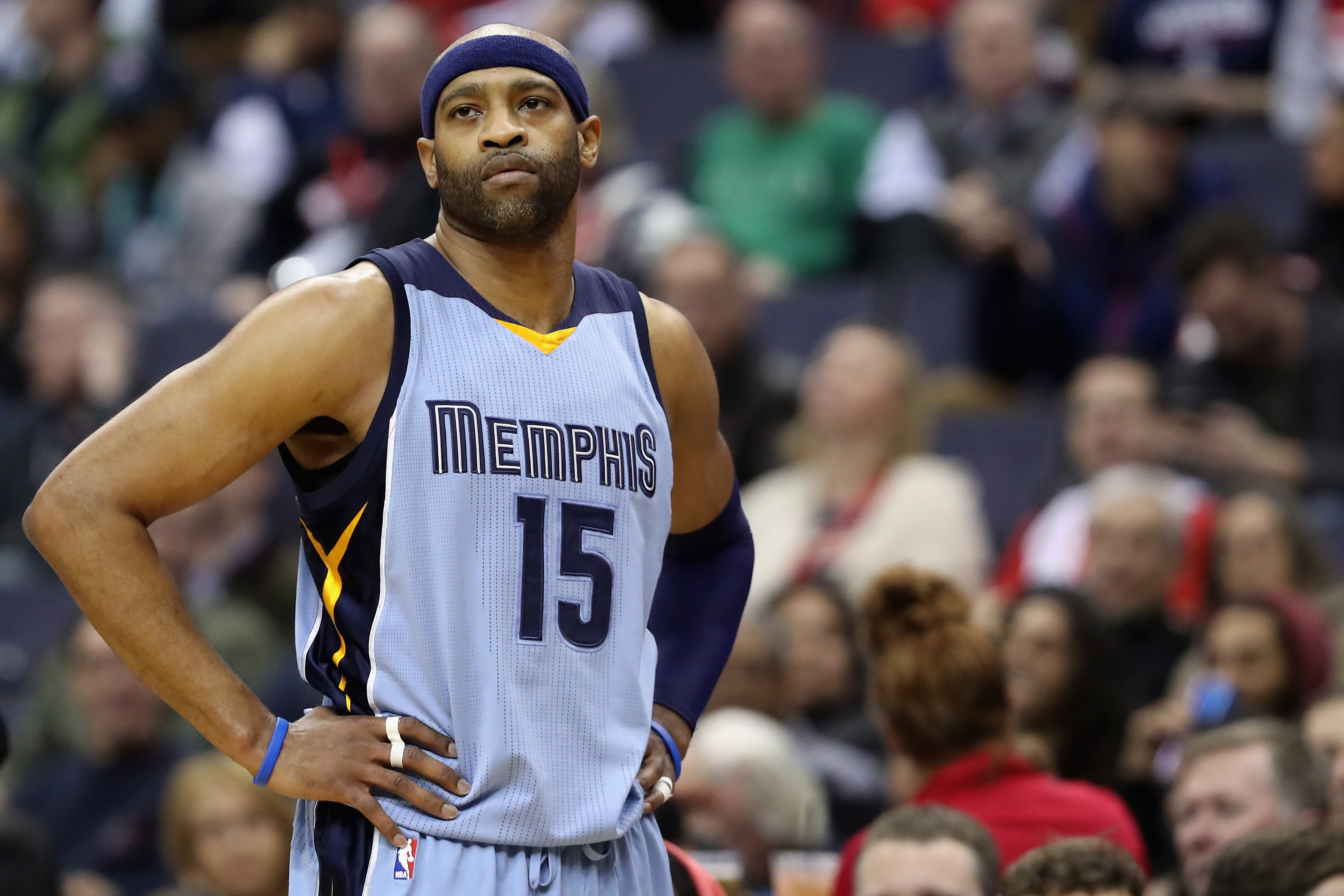 """newest 73231 80dff Vince Carter Says He's """"Open"""" To Signing With Warriors For ..."""