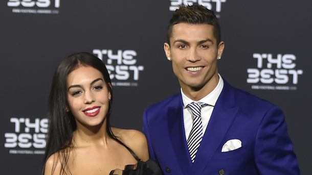 Total Pro Sports Cristiano Ronaldo Expecting Twins with ...
