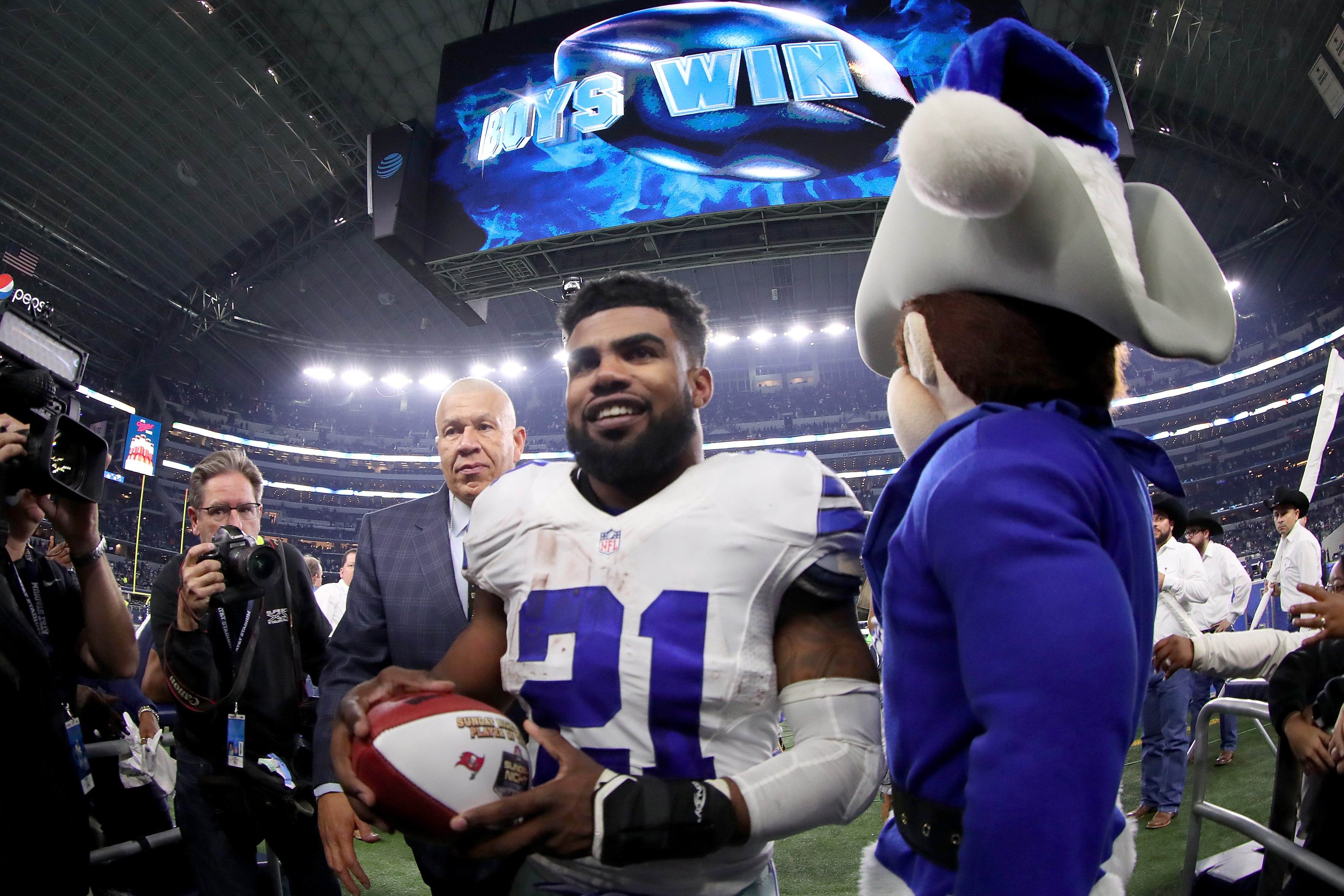 Dallas police suspend Ezekiel Elliott investigation due to lack of witness