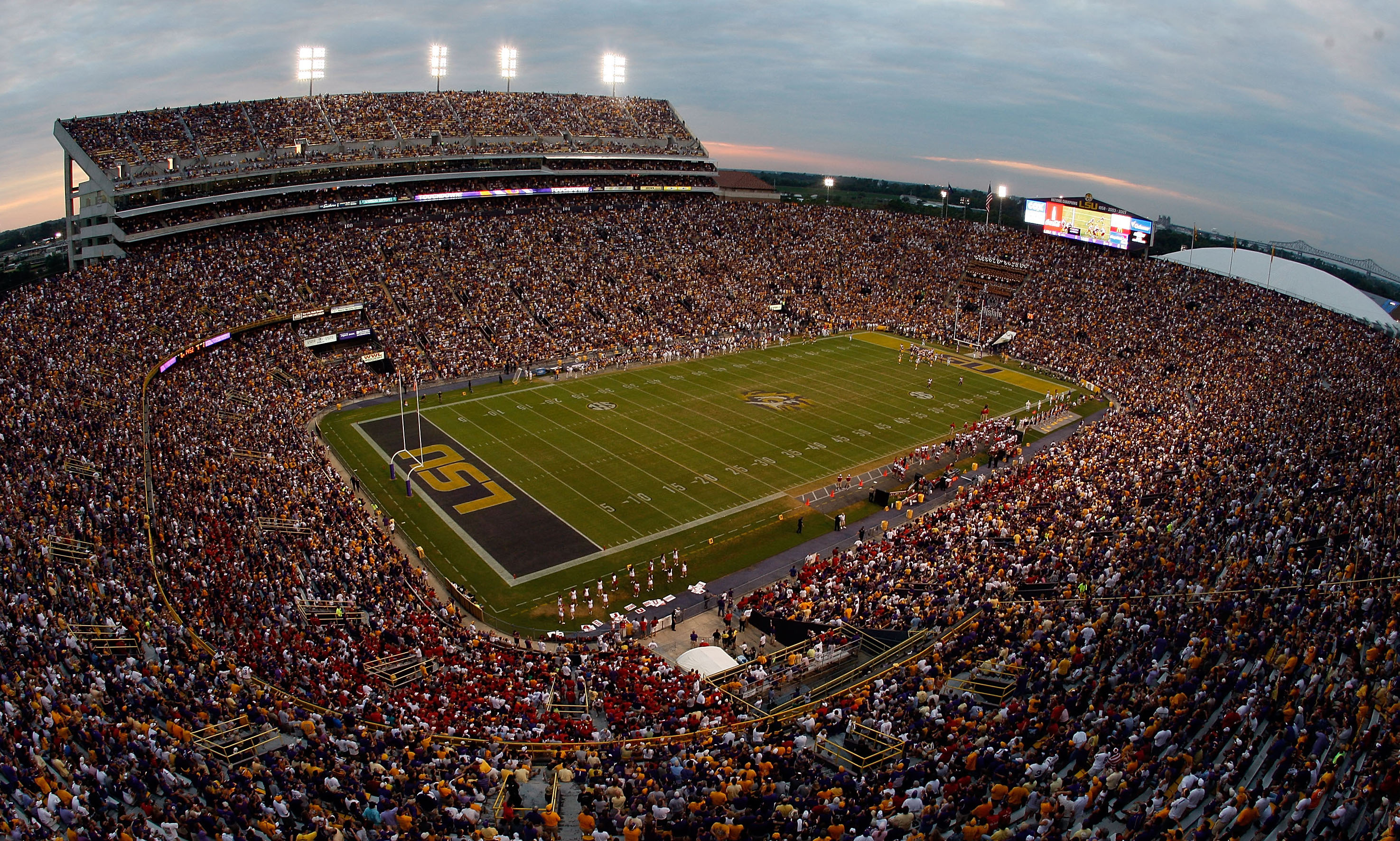 Man caught sneaking into Tiger Stadium with prostitute