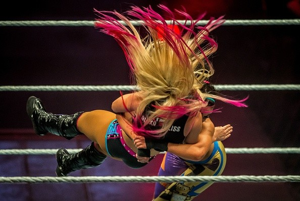 TOPSHOT-FRANCE-WWE-CATCH