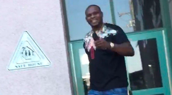 Zach Randolph Leaves Jail With HUGE Smile, Not Looking