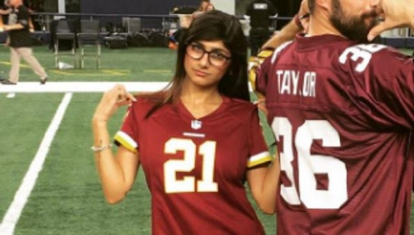 exporn-star-mia-khalifa-gets-trolled-hard-by-cowboys-fans-on-twitter-after-redskins-loss_1 (1)