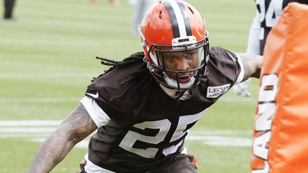 Browns will cut Pryor after fight with teammate