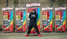 Marshawn Lynch Giving Out Free Skittles Before Raiders 1st Home Game (VIDEO)
