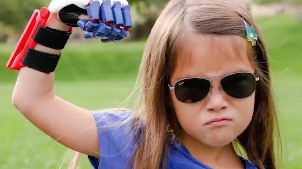 hailey dawson 7-year-old with 3D printed artificial hand wants to throw out first pitch in every ballpark in MLB