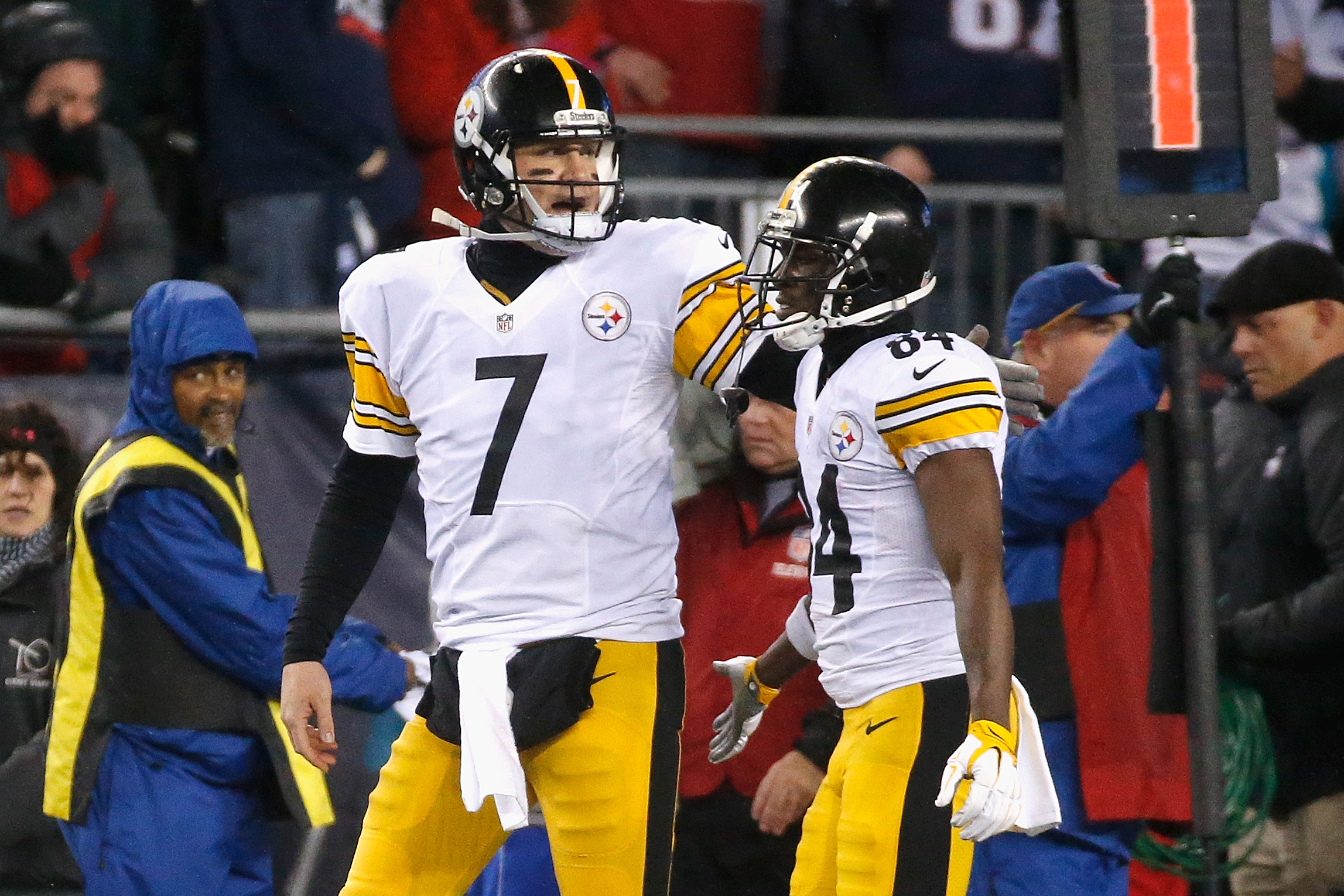 Steelers' Ben Roethlisberger: 'Disappointed' in Antonio Brown's sideline tantrum