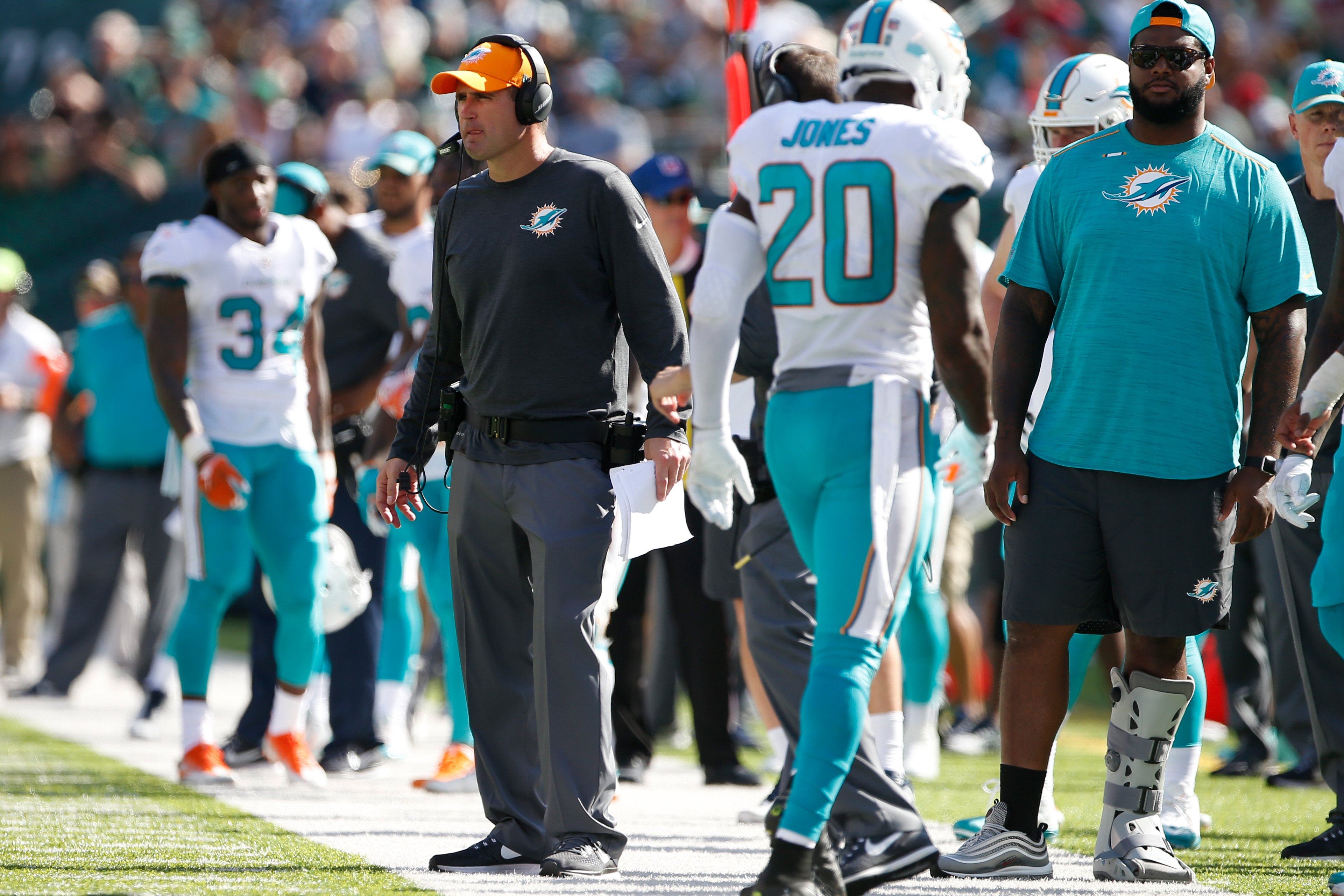 Video Appears To Show Dolphins O-Line Coach Chris Foerster Snorting Lines