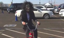 Stephen Curry Rolled Into Oracle Arena Dressed As 'Billy The Puppet' From 'Saw' (VIDEO)