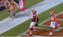 Gamblers Went Crazy After Wacky Final Second TD Allows Chiefs To Cover The Spread (VIDEO + TWEETS)