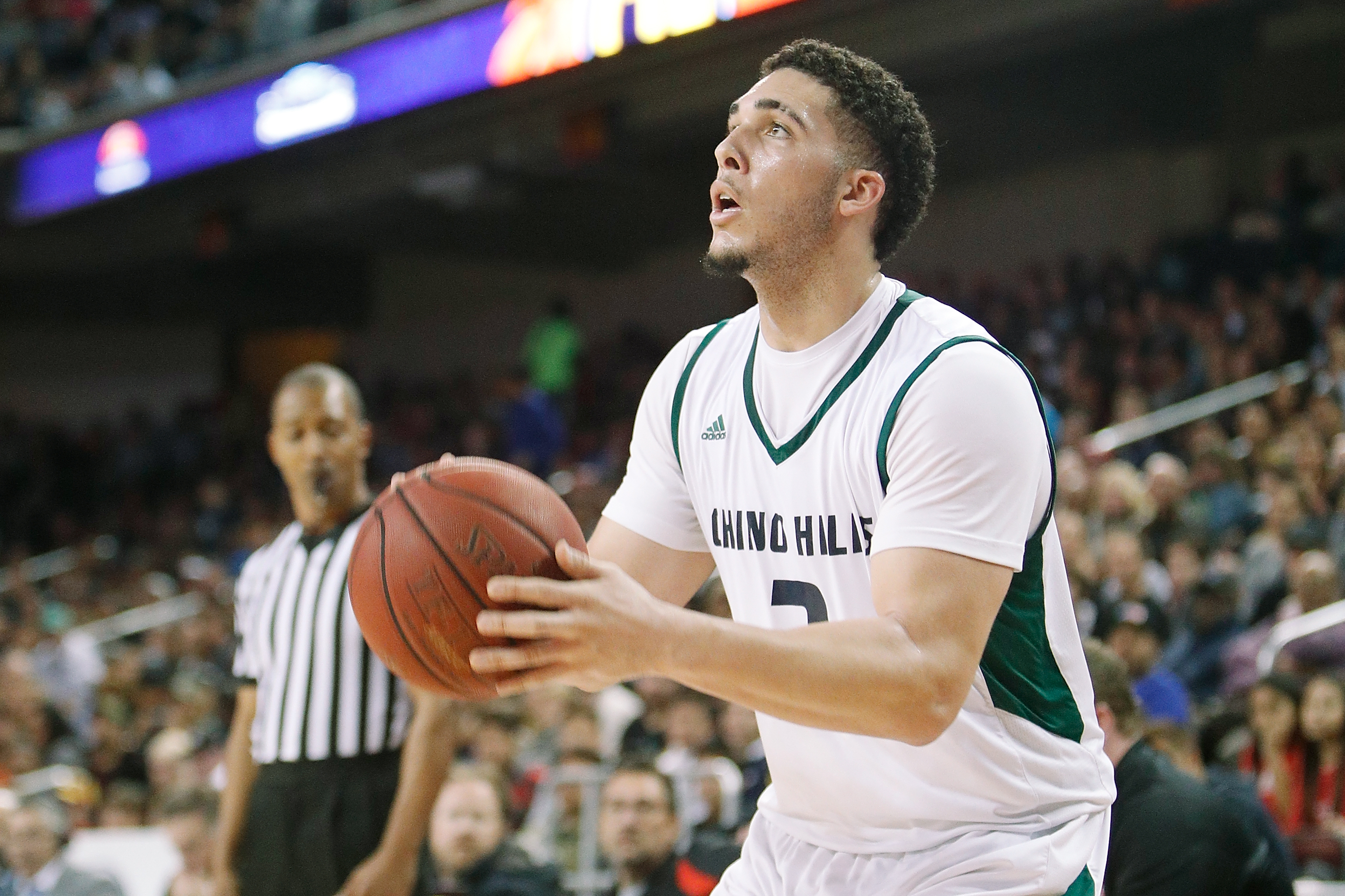 Liangelo Ball Prison >> Total Pro Sports REPORT: LiAngelo Ball & Teammates Facing 3-10 Years In Chinese Prison For ...